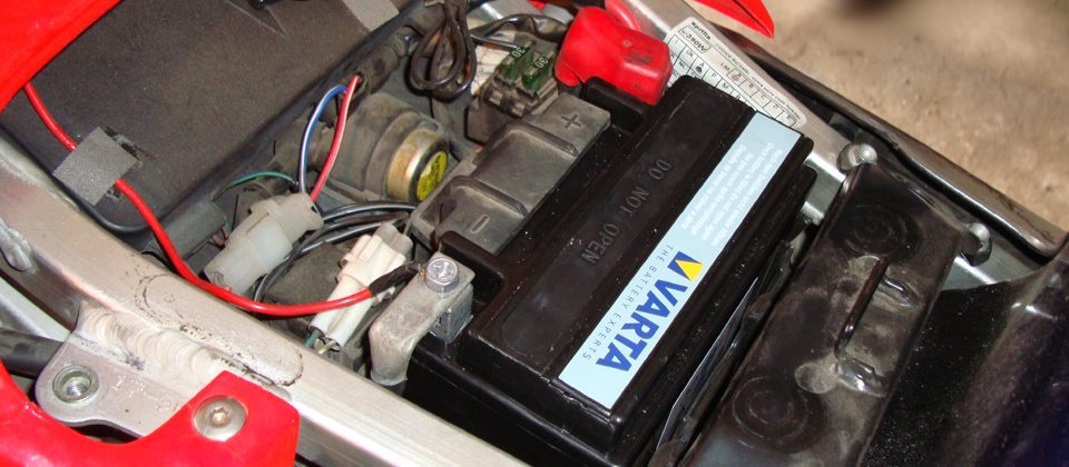 motorkarbantartas - akkumulator