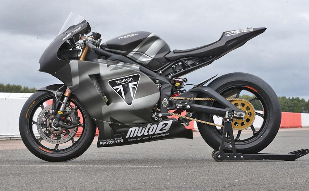 Moto2-ben fejlesztik a blokkot, amely jóval erősebb mint a széria a Street Triple motorokban