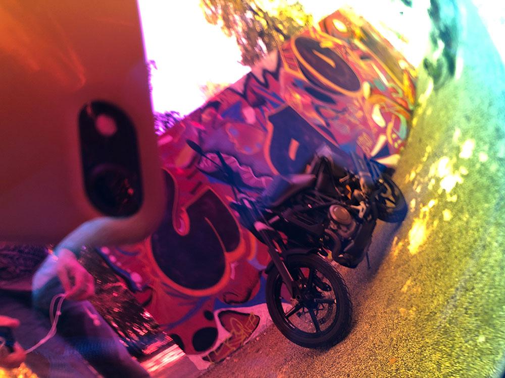 Szívesen látnád az Icon Airflite sisakod plexijén tükröződni a Svartpilened? Gyere a motopartsshop.hu motorosboltunkba és mindkettőt beszerezheted nálunk!